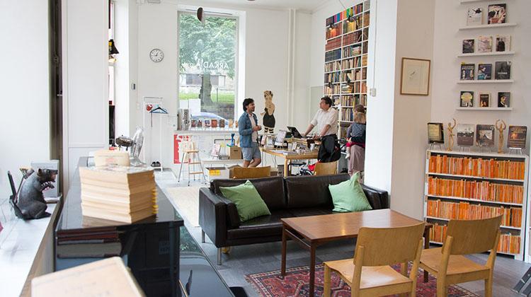 Arkadia International Bookshop - Venuu.fi