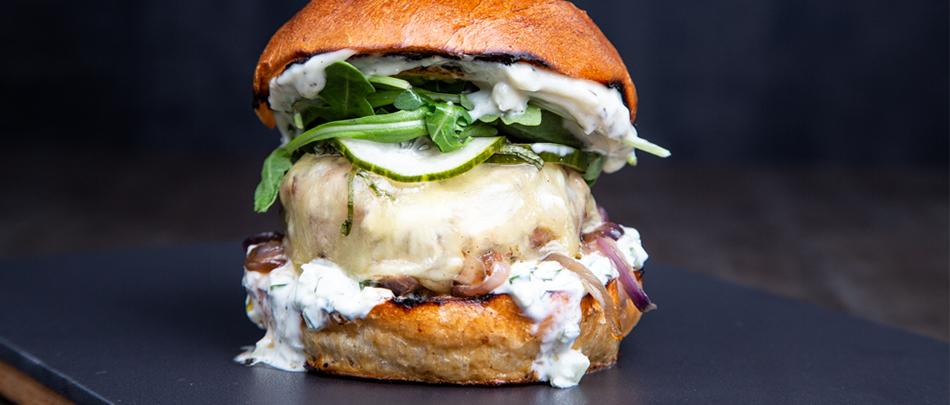 Deluxe Burger & Pizza - pitopalvelu ja catering juhliin / Venuu.fi