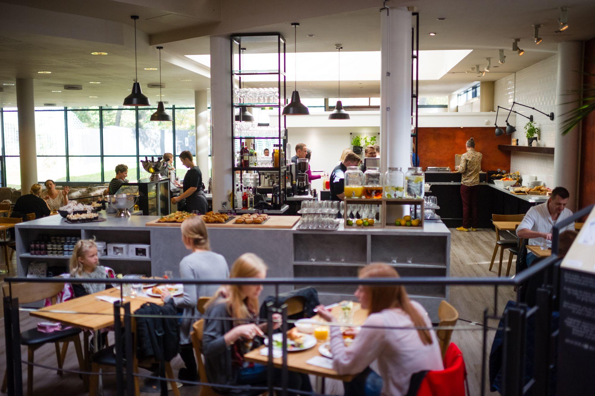 M Kitchen & Café - juhlatila / Venuu.fi