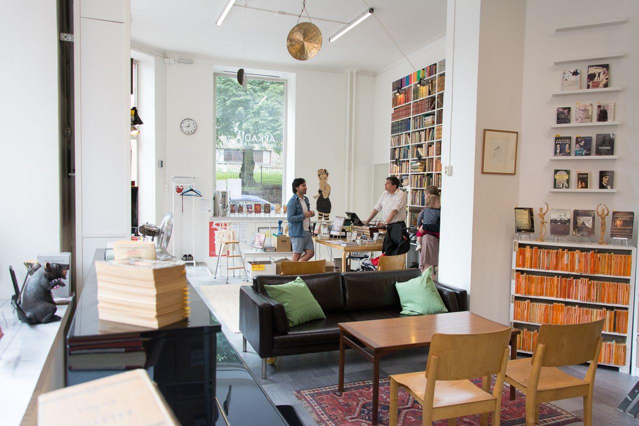 Arkadia International Bookshop - tila PR-tapahtumaan, tuotelanseeraukseen, mediatilaisuuteen tai vaikuttajatapahtumaan / Venuu.fi