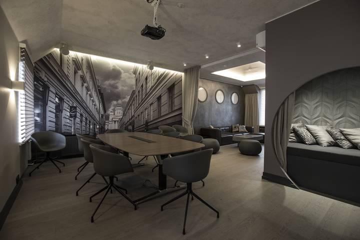 Roba Lounge – tila hybriditapahtumiin, livestriimeihin ja kokouspäiviin / Venuu.fi