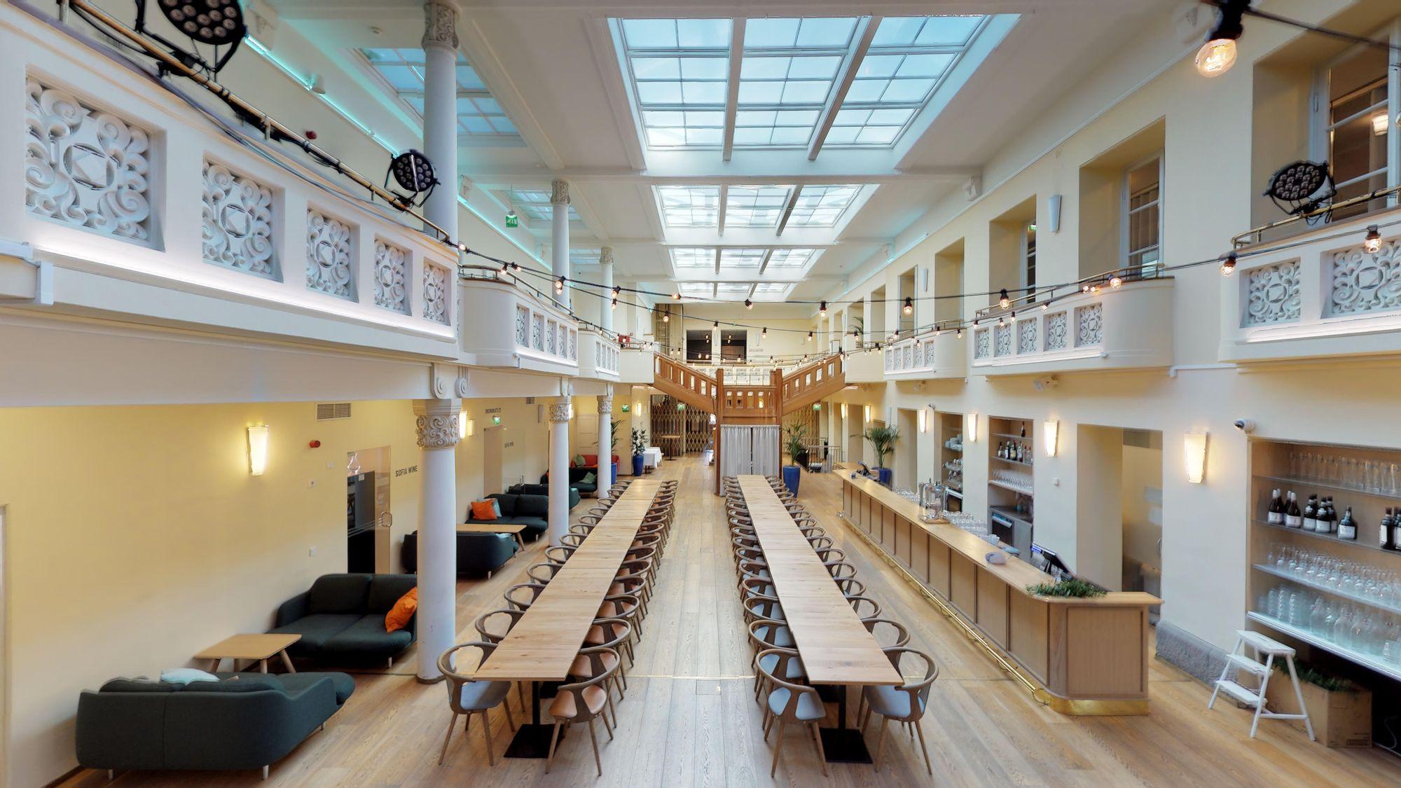 Sofia Helsinki / Kiseleffin sali - tila hybriditapahtumaan tai livestriimaukseen / Venuu.fi